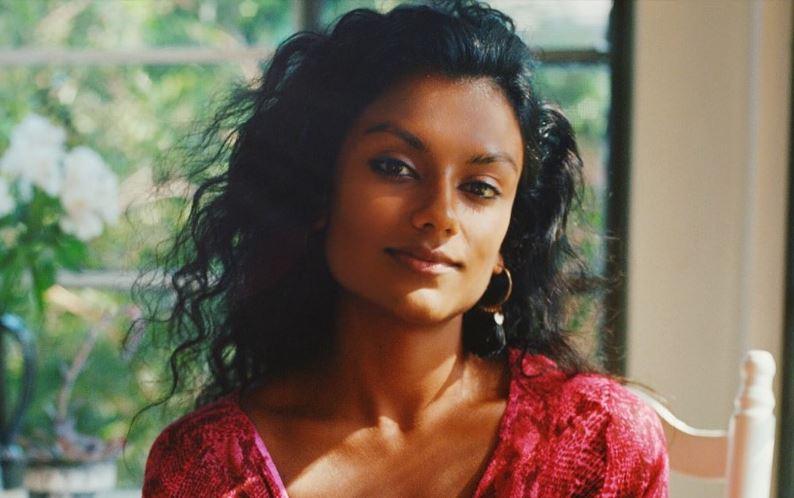 Simone Ashley Wiki, Age, Dating, Boyfriend, 2021