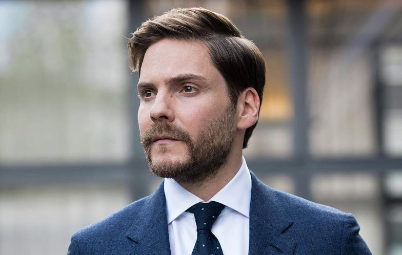 Daniel Brühl Married Life, Wife, Children, Net Worth, 2021